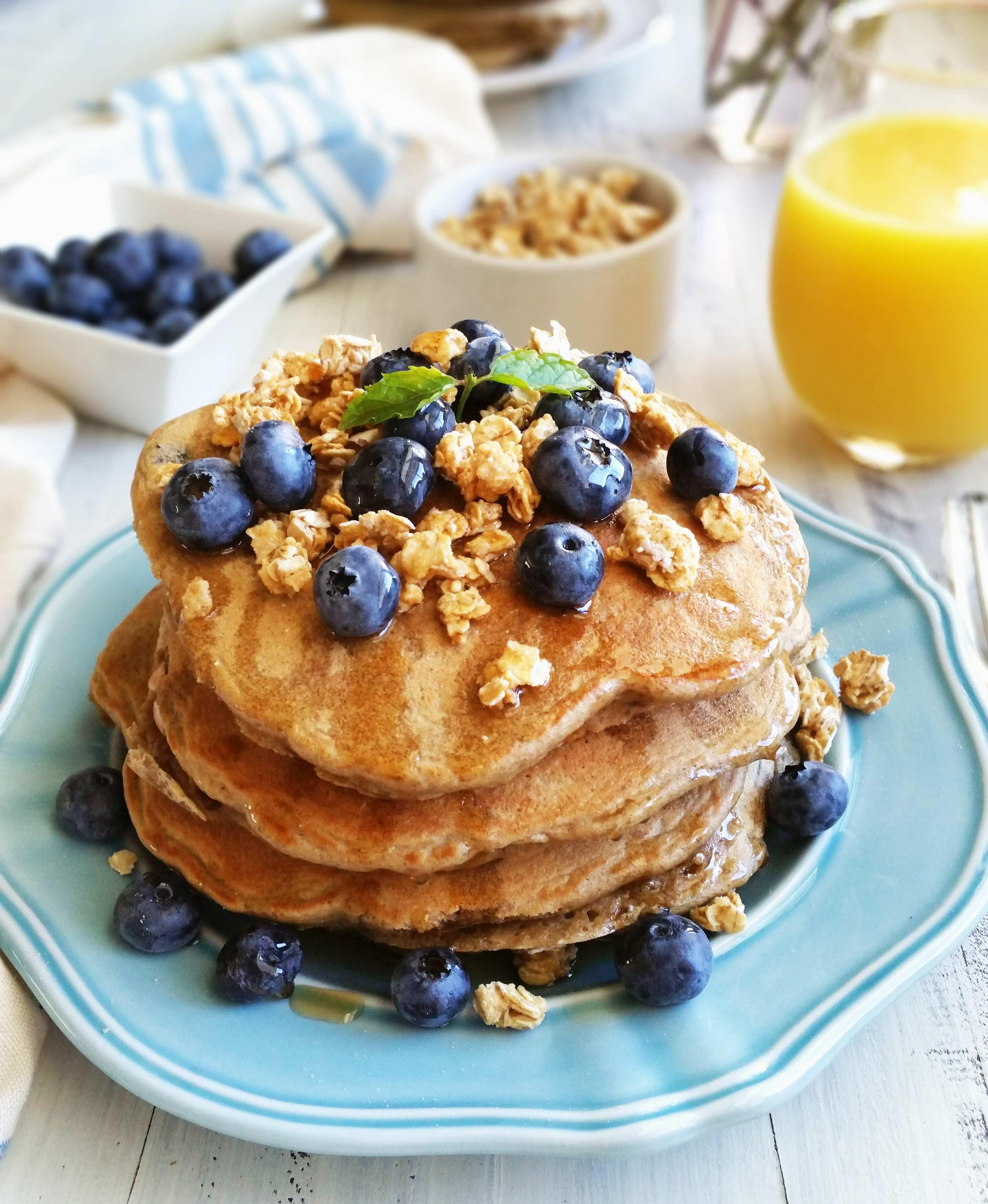 Blueberry-Granola-Pancakes