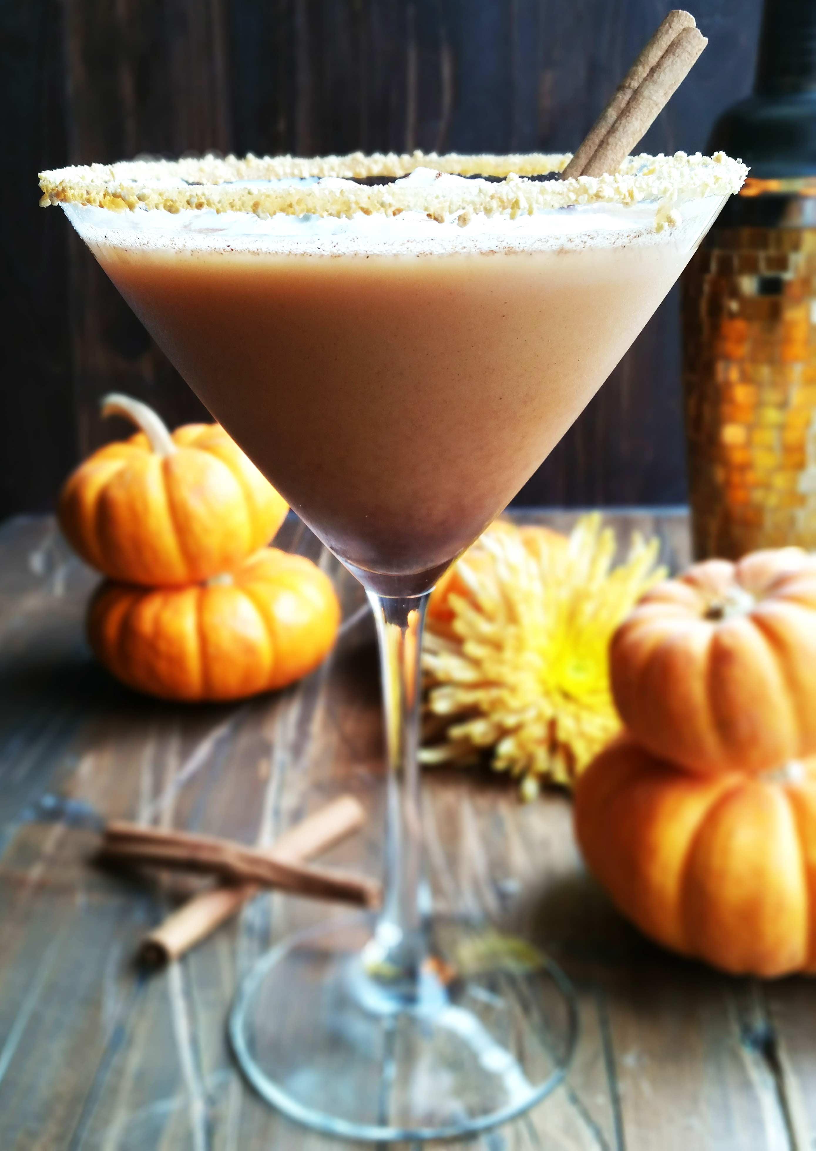 Chocolate-Pumpkin-Pie-Martini