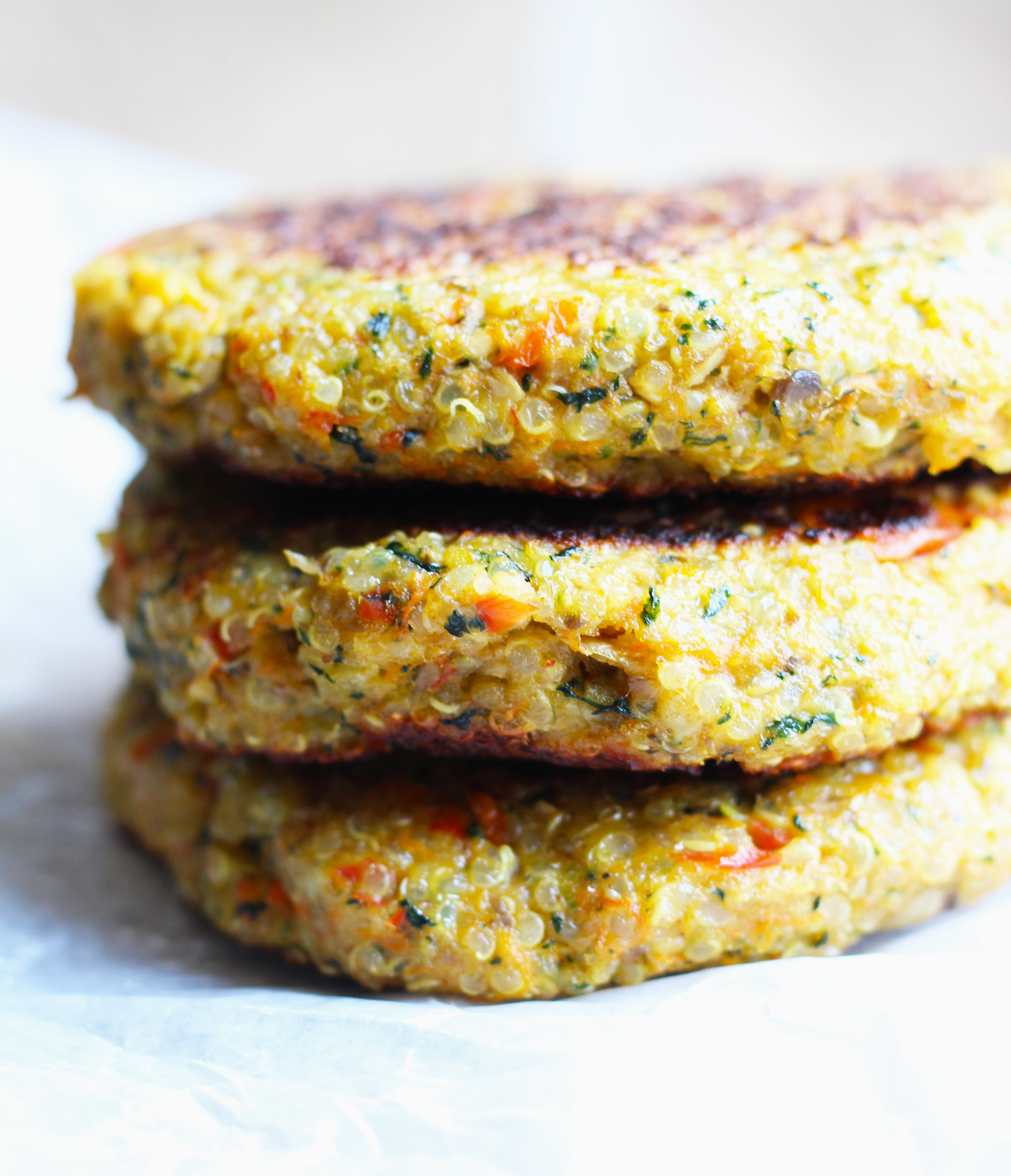 Quinoa-Veggie-Burgers-with-Avacado6