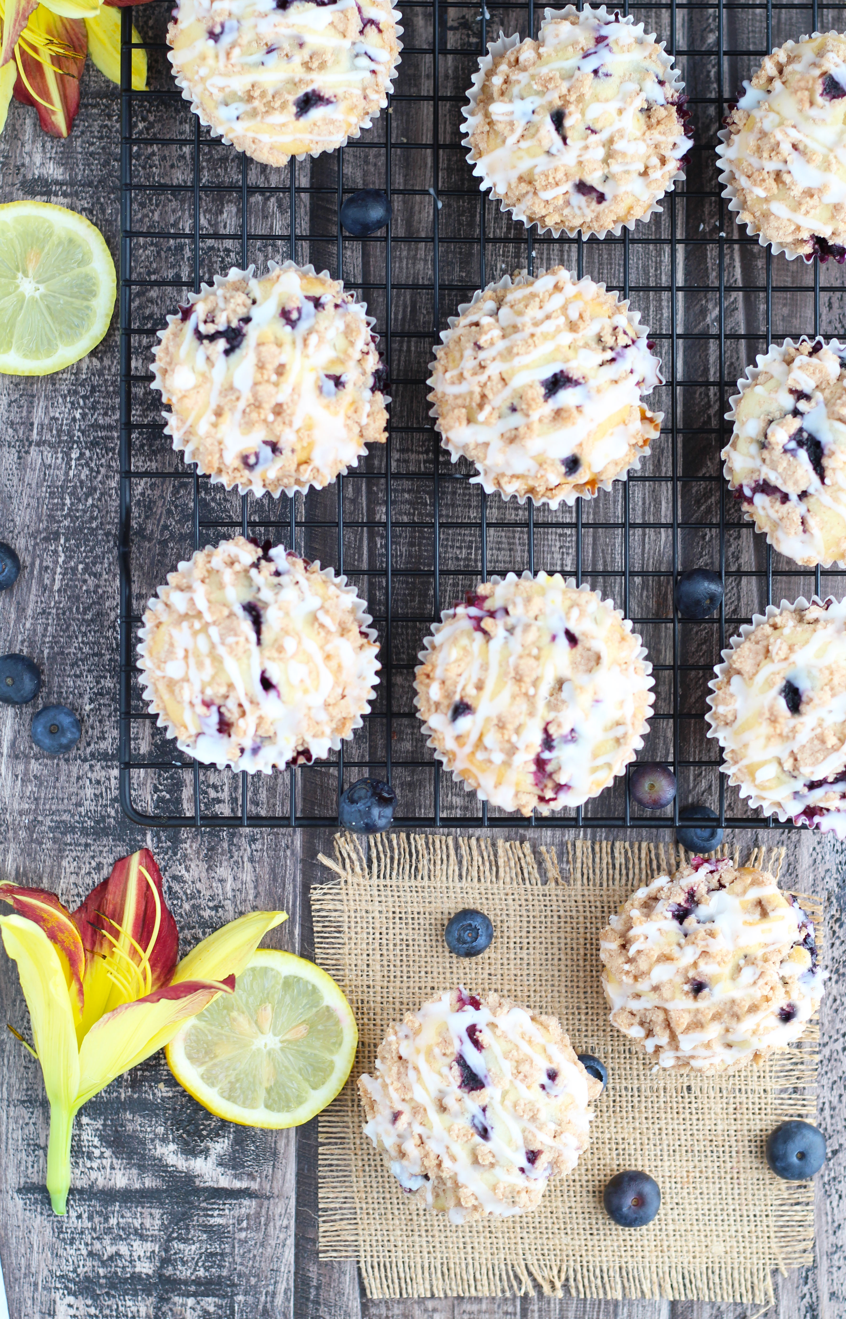 Blueberry-Lemon-Muffins-with-Crumb-Topping4