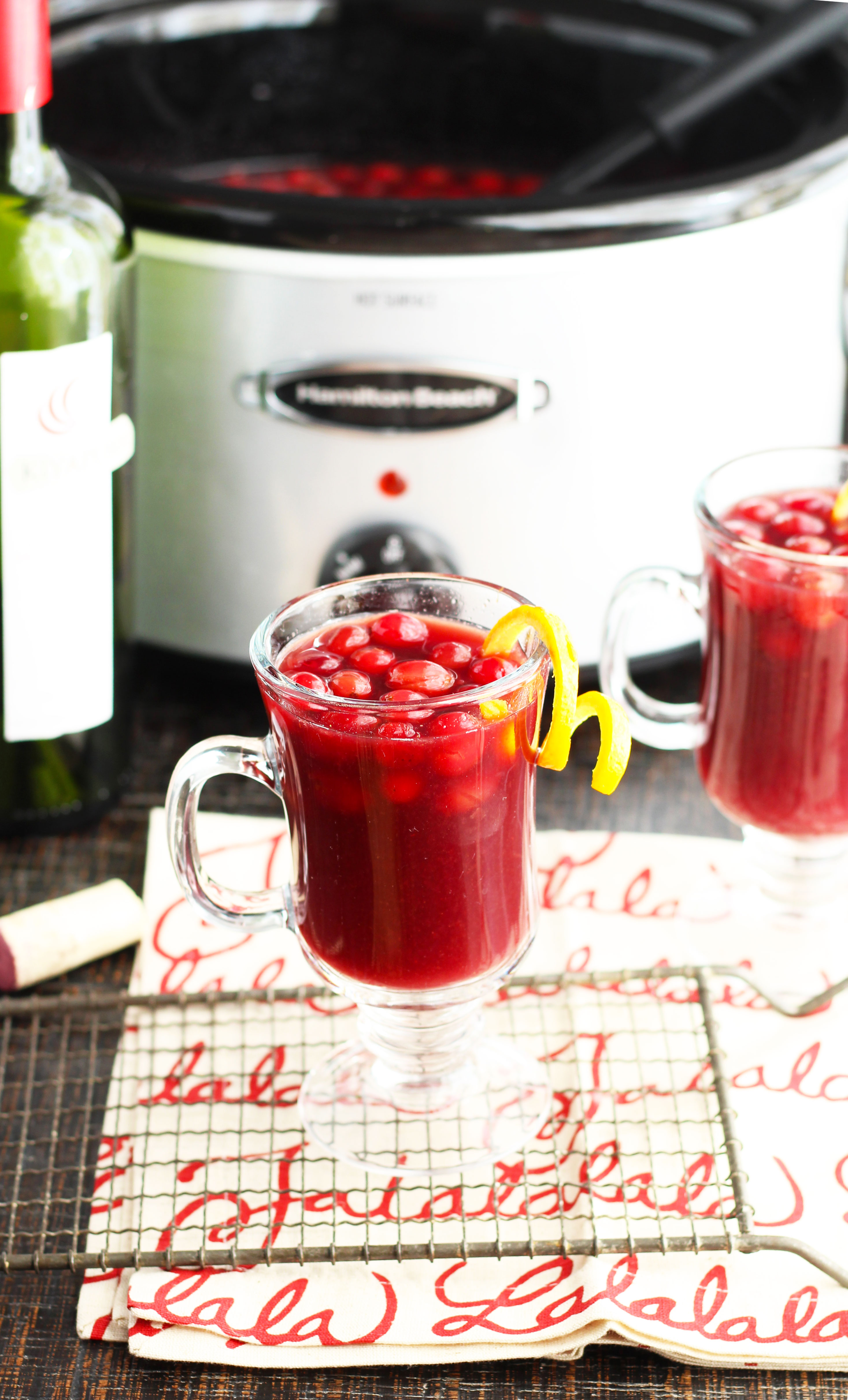 slow cooker cranberry-mulled-wine-f