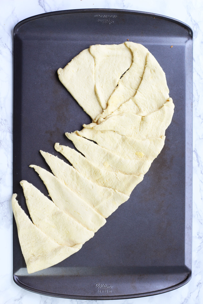 candy-cane-crescent-roll-breakfast-pastry-7
