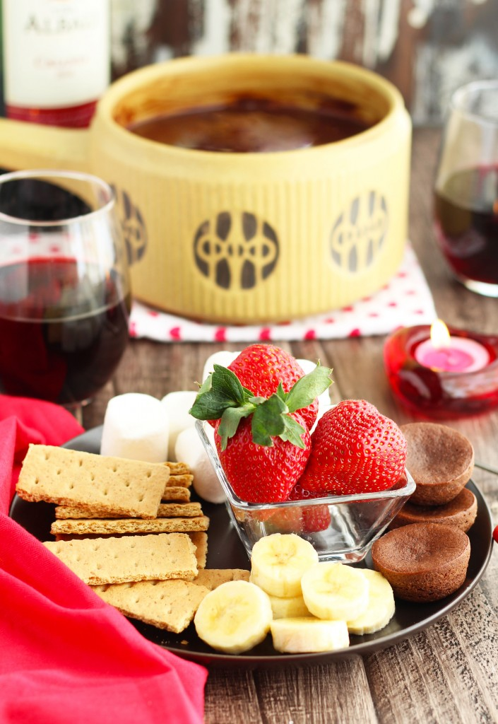 red wine dark chocolate fondue dip 3 yummy tummies. Black Bedroom Furniture Sets. Home Design Ideas