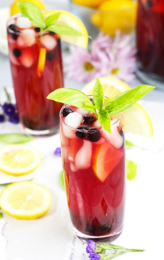 Spiked-Lemon-Berry-Sweet-Tea-1r