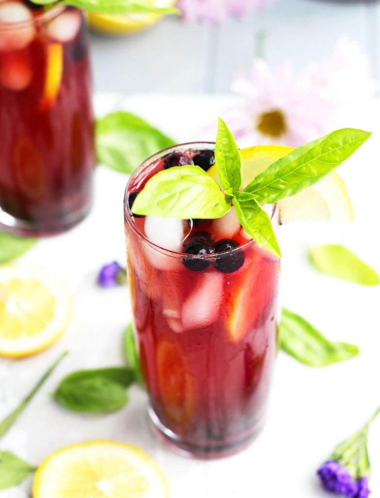 Spiked-Lemon-Berry-Sweet-Tea-fr