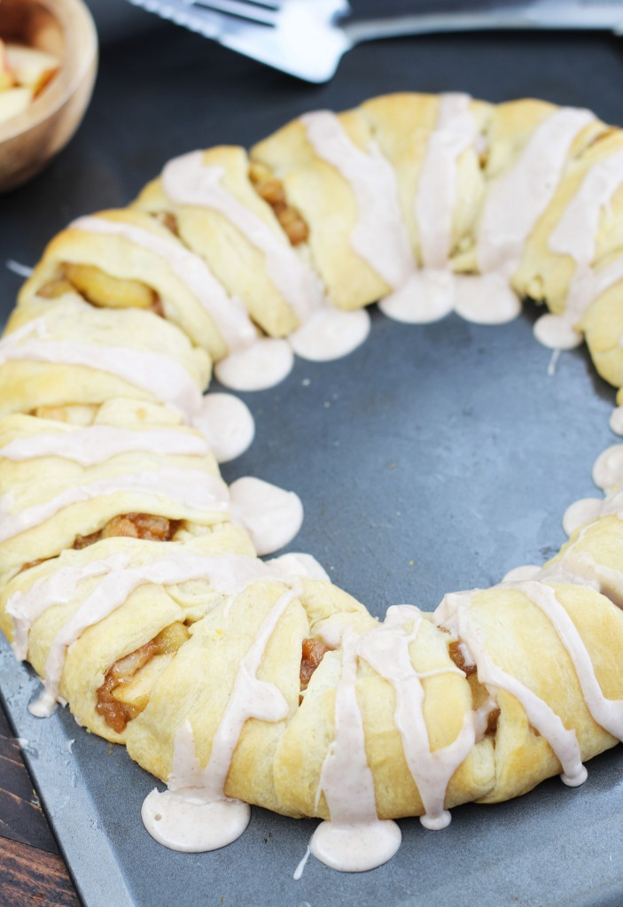 Apple-Crescent-Roll-Pastry-Ring-6