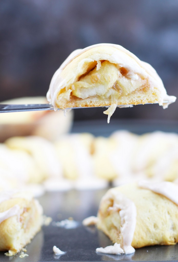 Apple-Crescent-Roll-Pastry-Ring