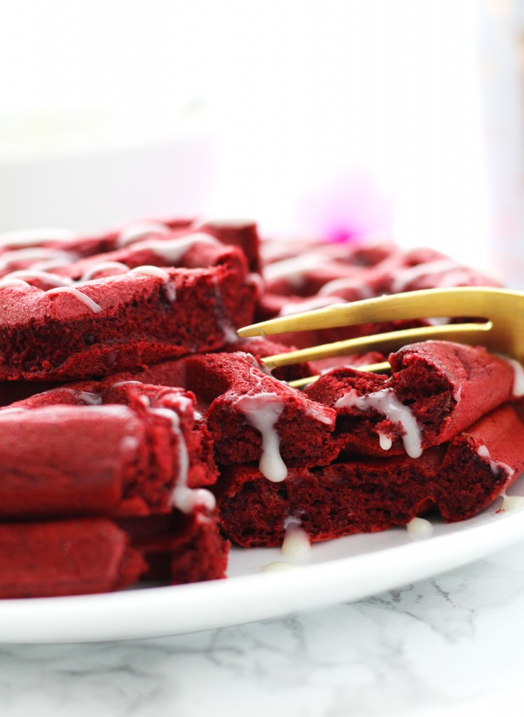 These Red Velvet with White Chocolate Glaze are the perfect Valentine's Day breakfast. They are perfectly, fluffy and the glaze is made in the microwave.