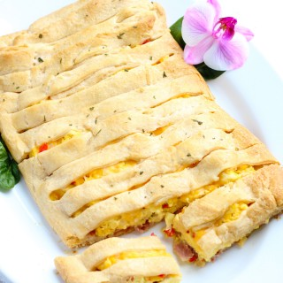 This Scrambled Egg Brunch Bread is so easy to make with crescent roll dough!