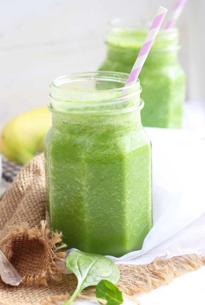 This Green Smoothie is perfect for a healthy snack with green spinach, apple, pineapple and a bit of fruit juice.
